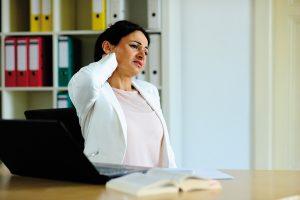 Rückenbeschwerden: Hauptursache für krankheitsbedingte Fehlzeiten